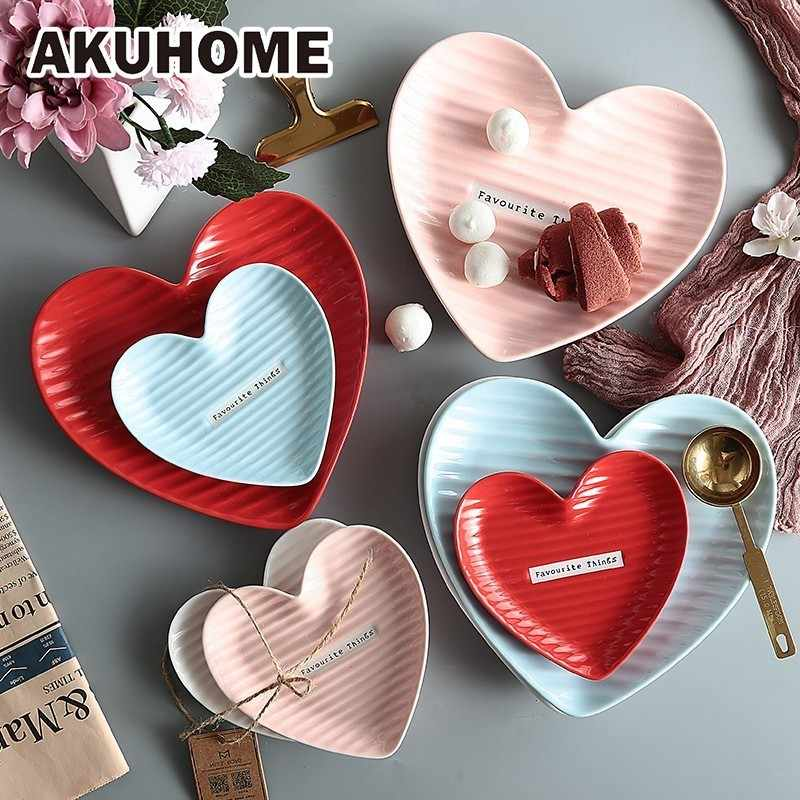A forma di cuore Piatto di Ceramica Dei Monili Decorativi Trinket Dish Design Creativo Vassoio Per Il Cibo Da Tavola Set AKUHOME
