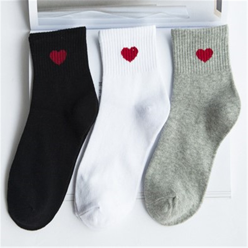 1Pair Sports Socks Women Heart-Shaped Soft Cotton Lovely Lady Girls Casual Outdoor/Indoor Comfortable Non-slip Winter Socks