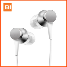 Original XiaomiหูฟังIn EarหูฟังPistonสดรุ่นที่มีสีสันหูฟังพร้อมไมโครโฟนสำหรับXiaomi Samsung Smartphone