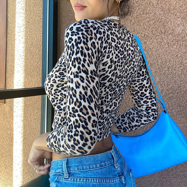 Crop top T-Shirt with leopard pattern