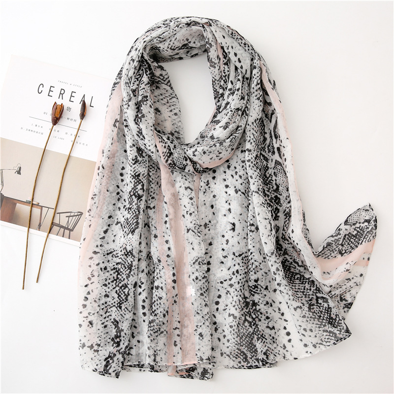 2019 Autumn Fashion Hot Silver Snakeskin Viscose Shawl Scarf Lady High Quality Print Pashmina Stole Muslim Hijab Sjaal 180*90Cm