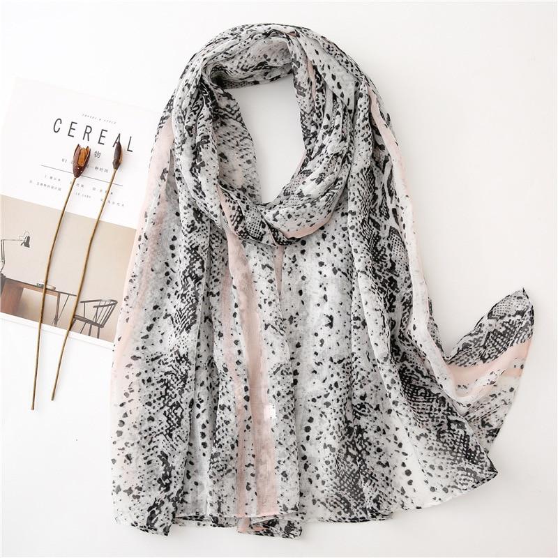 2019 Autumn Fashion Hot Silver Snakeskin Viscose Shawl Scarf Lady High Quality Print Pashmina Stole Muslim Hijab Sjaal 180*90Cm
