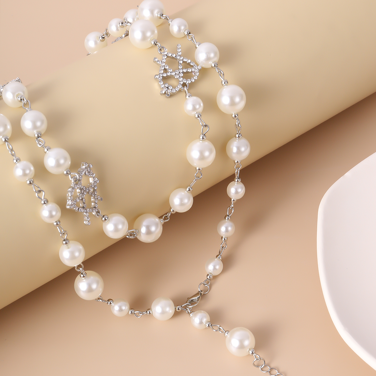 SHIXIN Simulated Pearl Choker Hollow Crystal Heart Necklace for Women Long Tassel Necklaces on Neck 2020 Wedding Jewelry Fashion