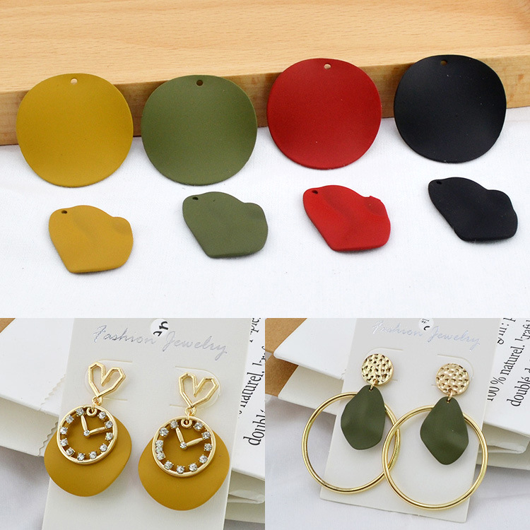 10pcs Autumn And Winter Retro Patent-leather Alloy Wavy Round Piece Handmade Diy Earrings Earpin Jewelry Material Accessories