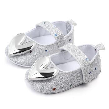 Sepatu Bayi Walkers Model Hati 1