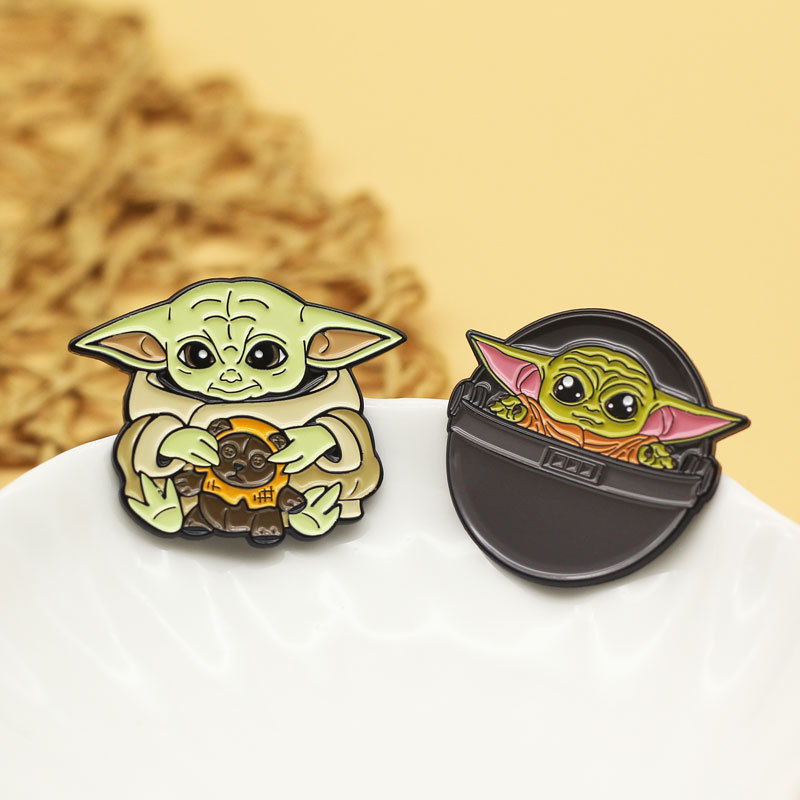 Baby Yoda Brooch The Mandalorian Cosplay Prop Star Wars 9 Yoda Metal Enamel Pin Badge