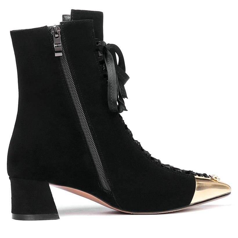 rendas até sapatos de couro de camurça