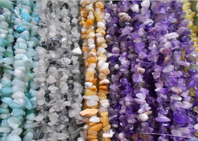 Granat Rubin Saphir Citrin Morganite Bernstein Neue Ankunft 3-5mm Kristall Kleine Schutt Stein 87 cm/strand natürliche Stein Chips Perlen