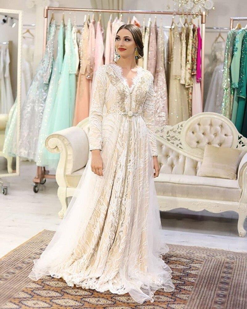 Купить марокканское длинное вечернее платье с вышивкой и бисером