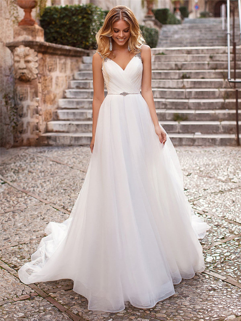 2020 Sexy Spaghetti Strips A-Line Wedding Dresses Crystal Beaded Garden Women Tulle Bling Bling Bridal Gowns Custom Plus Size