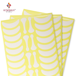 Image 1 - 700 Pairs Onder Eye Pads Wimper Oefeningen Oog Stickers Papier Pluizende Met Vorm Bone Wimpers Patch