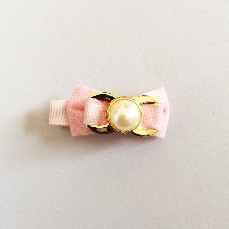 1 Pcs lot Small Mini Ribbon Bow Hairgrips Sweet Kids Girls Peal Hair Clips Kids Lovely in Hair Accessories from Mother Kids