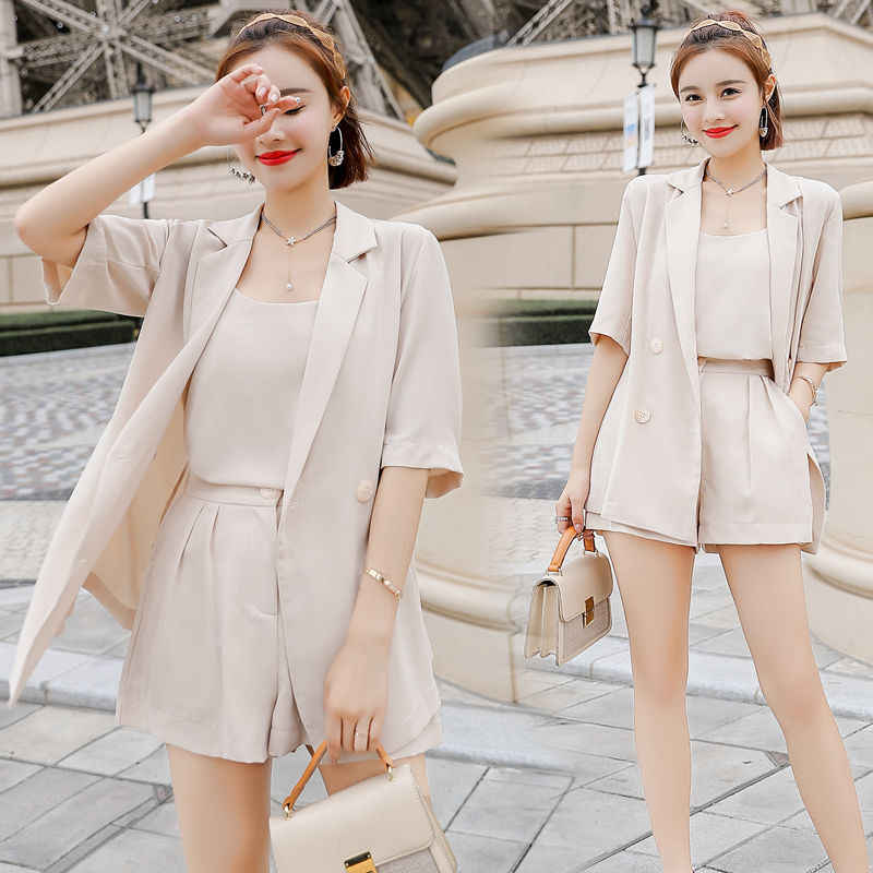 2020 summer new Korean small suit cardigan shorts two piece