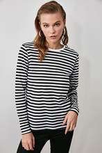 T-Shirt Basic in maglia con collo lungo da ciclismo Trendyol