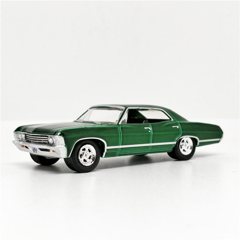 Greenlight 1:64 Chevrolet Impala Sport Sedan 1967 Green SUPERNATURAL No Box