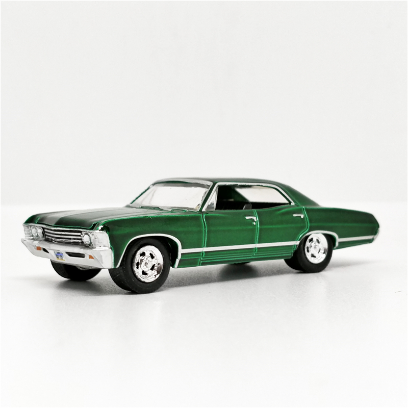 Greenlight 1:64 <font><b>Chevrolet</b></font> Impala Sport Sedan 1967 Green SUPERNATURAL No Box image