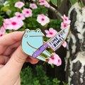 Frog With Knife Симпатичные Лягушка с Ножи время для преступностью рюкзак Костюмы эмалированный Нагрудный значок брошь