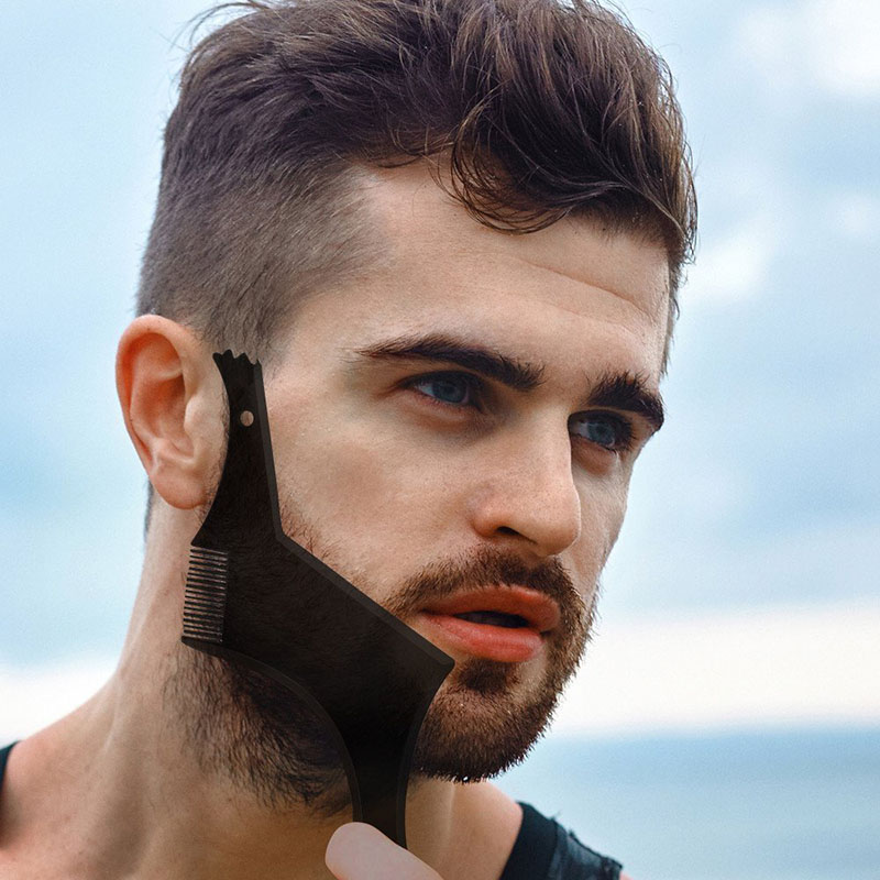 The Beard Shaping Tool Kit Includes A Contoured Comb And A Professional Straight Edge Razor And A Double-Edged Blade And Stainle
