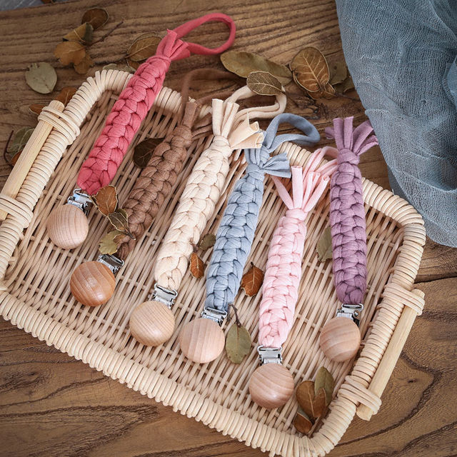 Baby Pacifier Clip Chain Cotton & Wood Pacifier Clip 1pc Handmade Nipple Holder Baby Shower Gift Safe Eco friendly Dummy Clips