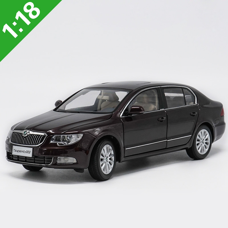 <font><b>1:18</b></font> Skoda Superb Alloy <font><b>Model</b></font> <font><b>Car</b></font> Static Metal <font><b>Model</b></font> Vehicles Original Box For Gifts Collection image