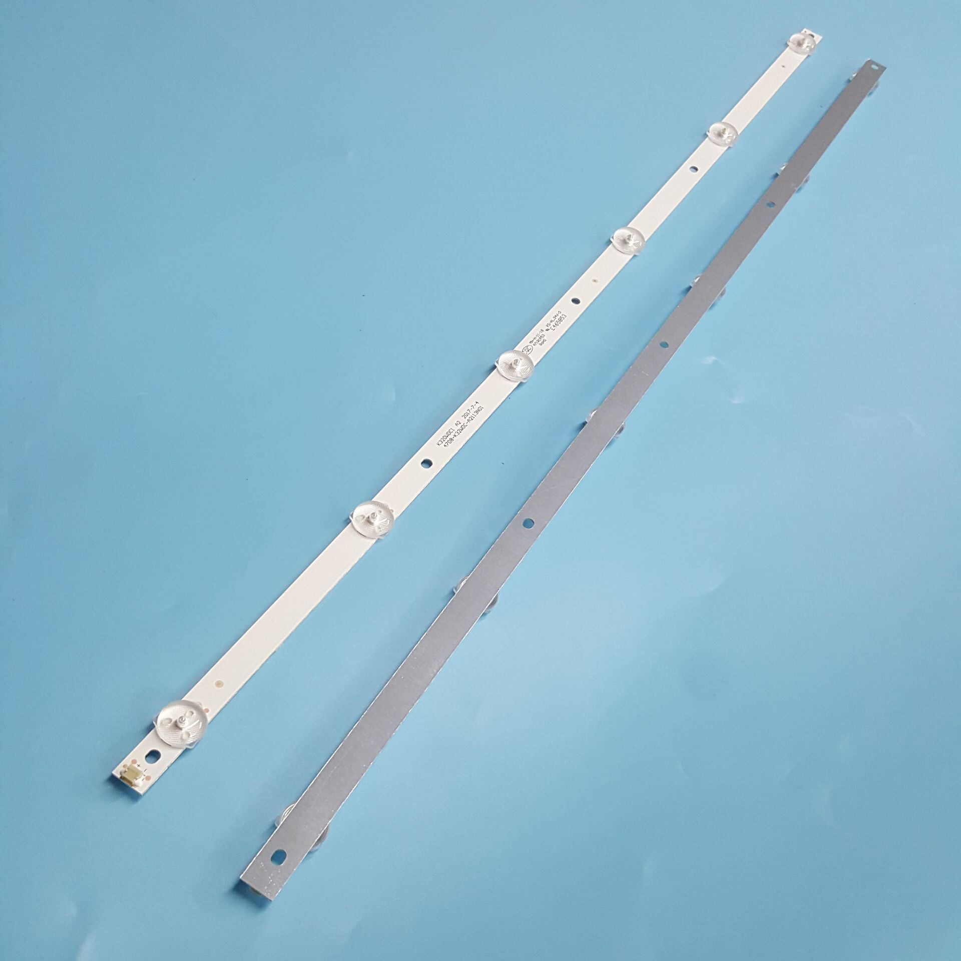 LED Backlight Strip 6 Lamp For HUGO 32inch K320WDC1 A2 4708-K32WDC-A2113N01 6LED 583MM TX-32ER250ZZ K320WDC2B