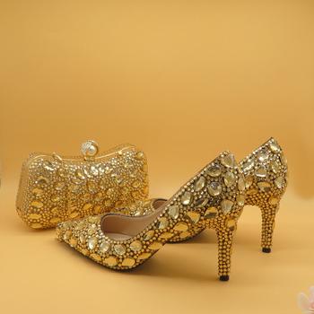 Szampan szpiczasty nosek kryształowe buty ślubne z pasujące torby damskie buty na wysokim obcasie buty Party Dress buty i torby kopertówka tanie i dobre opinie baoyafang Cienkie obcasy Wysoka (5 cm-8 cm) Podstawowe Ślub Pasuje prawda na wymiar weź swój normalny rozmiar RUBBER
