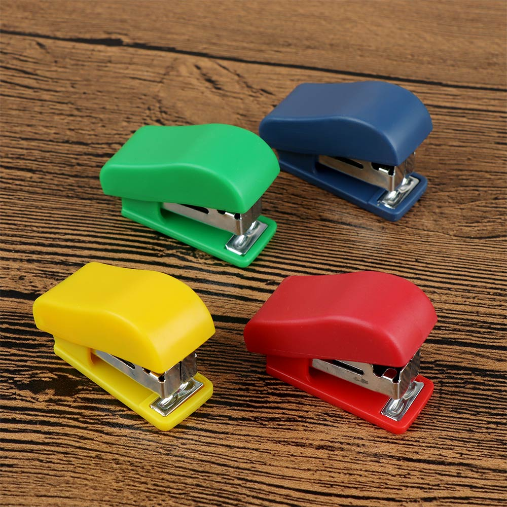 1 PC Solid Color Stapler School Stationery Set Cute Mini Stapler Small Portable Plastic Paper Binding Tool Office Accessories
