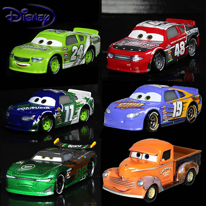 Disney Pixar Cars 3 Toys For Kids LIGHTNING McQUEEN High Quality Plastic Cars Toys Cartoon Models Christmas Gifts