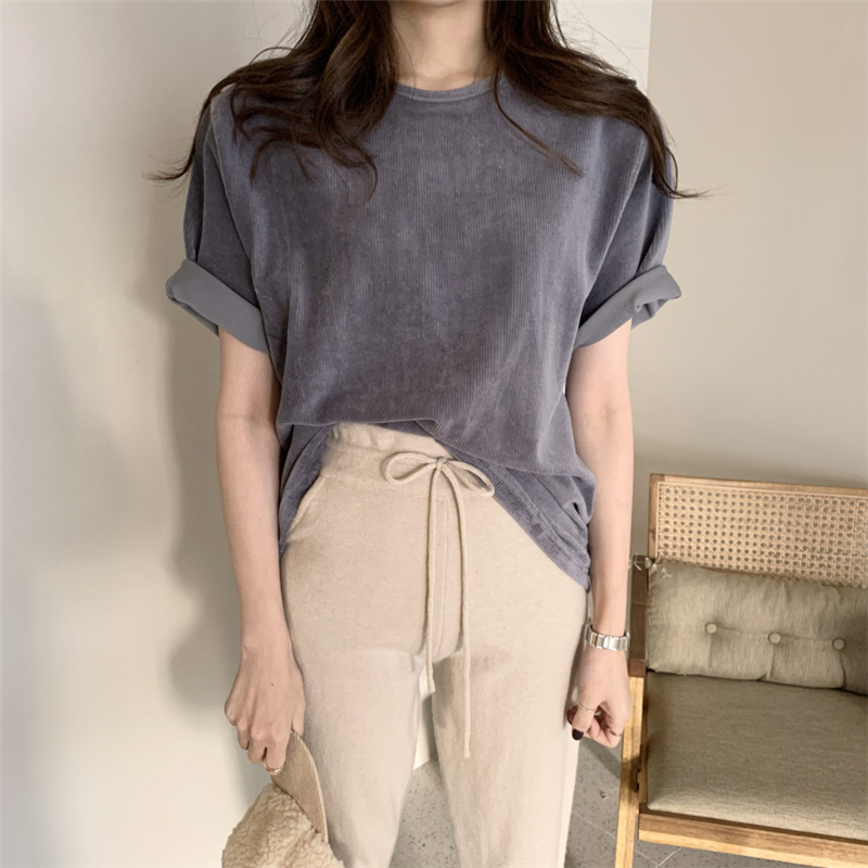 Colorfaith Women T-shirt 2020 Corduroy Casual Short Sleeve Loose Bottoming Solid Female O-Neck Basic Tops Shirt Ladies T9008
