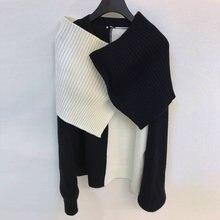 Женский трикотажный свитер контрастных цветов черно белый Асимметричный