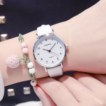 Simple Number Dial Women White Watch 2019 Ulzzang Brand Fashion Casual Ladies Quartz Wristwatches With Scrub Leather Band