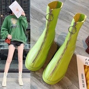 Image 1 - Botas de ocio concisas para mujer, botines cortos de cuero sólido de puntera cuadrada, Vintage, con cremallera de poliuretano para invierno, zapatos de talla grande