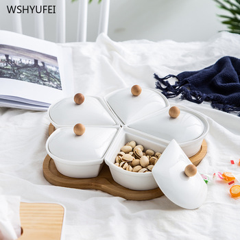 New white flowers ceramic plate solid wood plate fruit candy nut jewelry display stand dust can put the living room snack plate