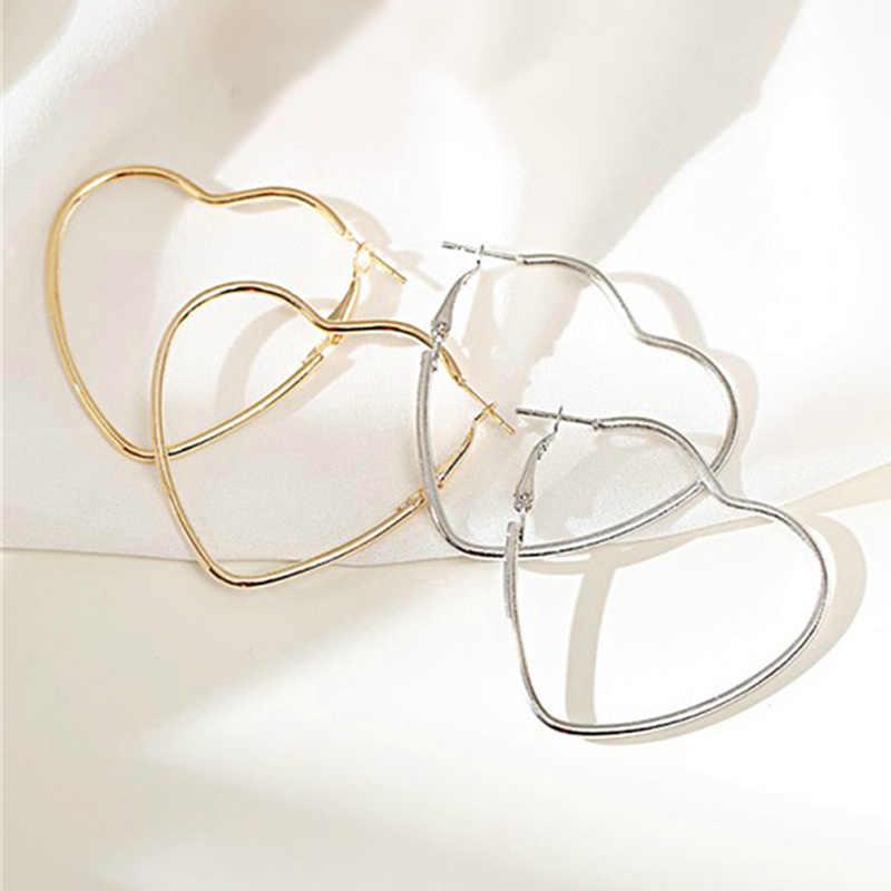 Basit içi boş büyük kalp Hoop küpe kadınlar kızlar için abartılı gümüş renk aşk küpe Trendy romantik takı hediyeler