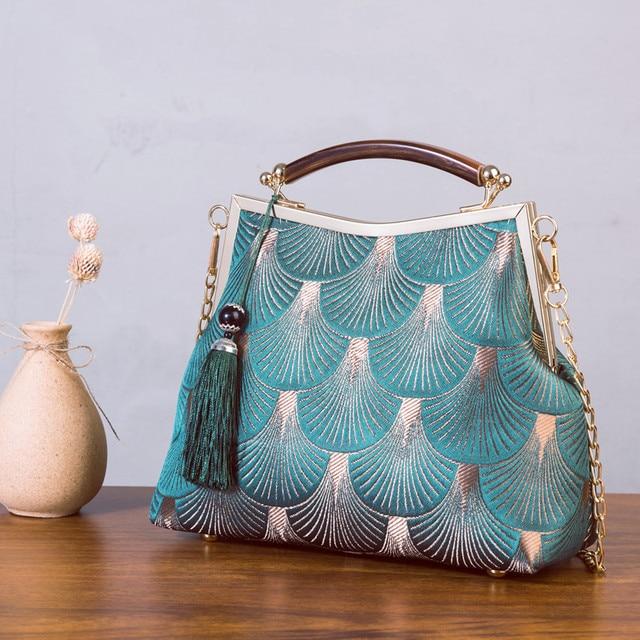 Lock Shell  Vintage Handmade Fringe Chain Shoulder Bag  1
