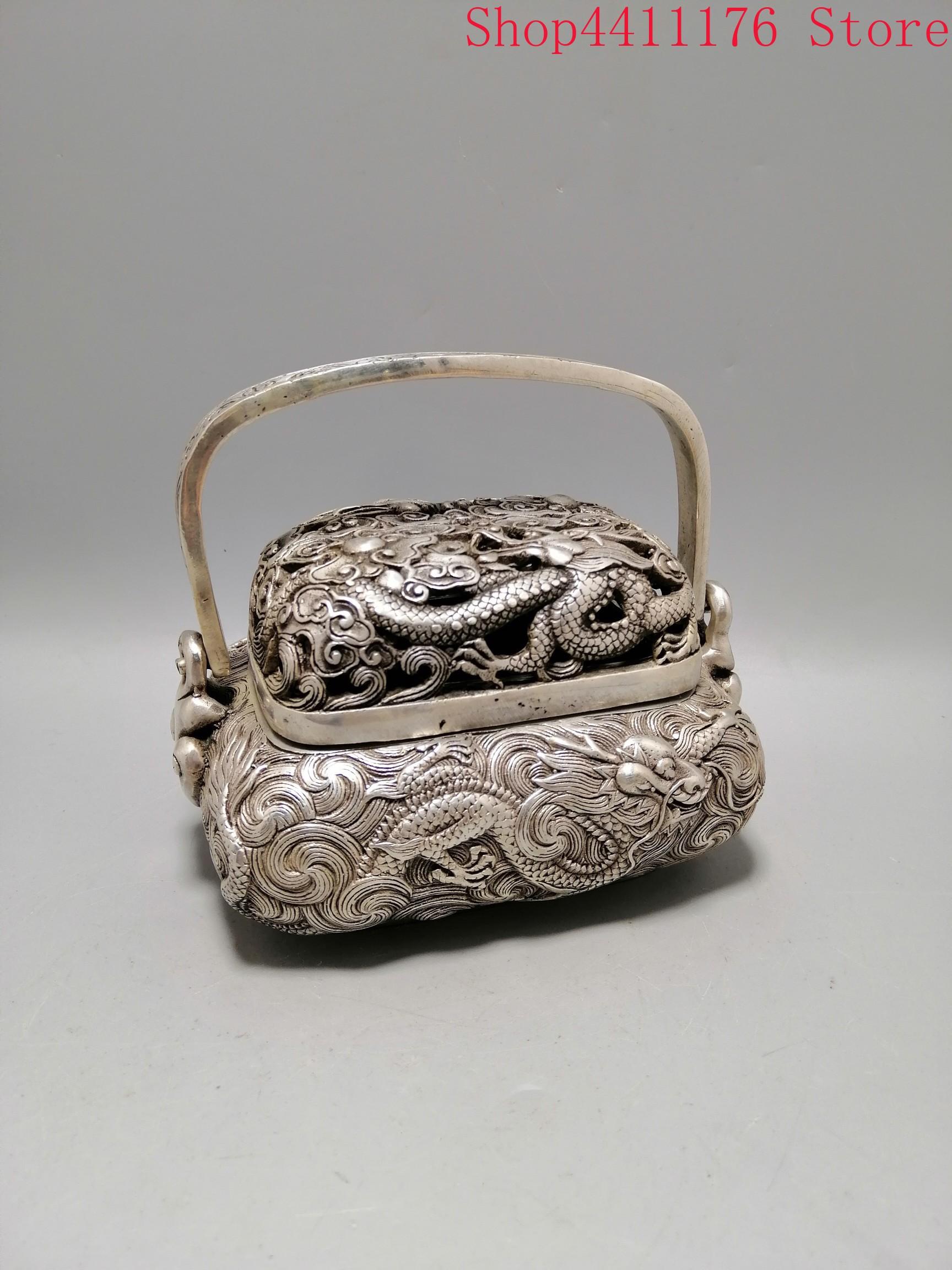 Um queimador de incenso quadrado esculpido raro na dinastia qing bronze dragão queimador de incenso