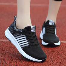 Ultra Light Women Tennis Shoes Breathable Mesh Sneakers Outdoor Lace up Antislip Sport Shoes Gym Shoes Ladies Trainers Jogging