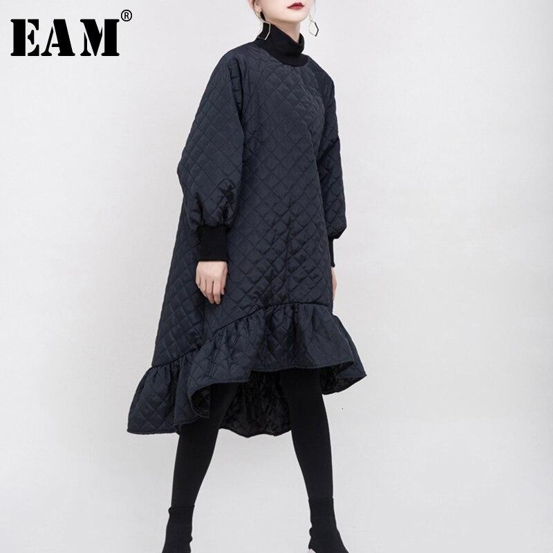 [EAM] Women Black Asymmetrical Ruffles Split Dress New Round Neck Long Sleeve Loose Fit Fashion Tide Early Spring 2020 1M931