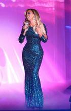 Женское длинное вечернее платье с блестками синее в пол рукавами