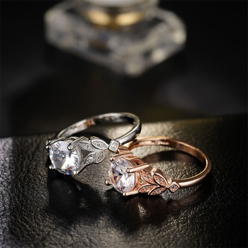 1PC Hot Crystal Leaf Engagement Ring 2