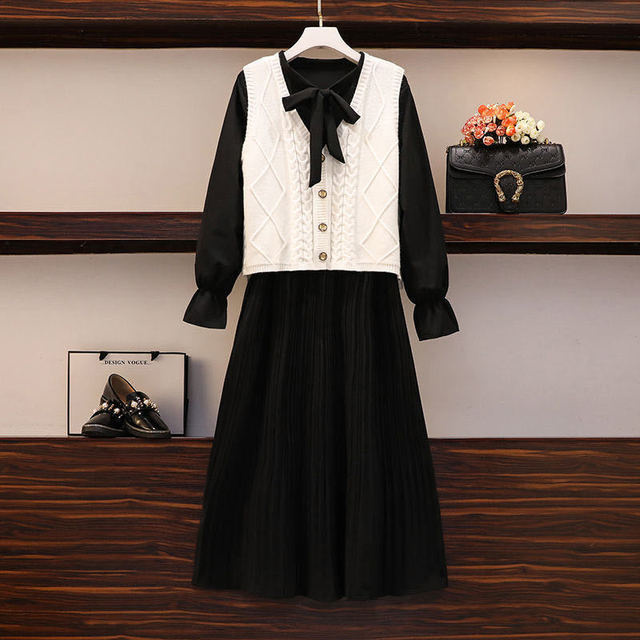 2020 New Girl Style One Piece Suit Dress, Women's Autumn and Winter Show Thin Long Sleeve Pleated Medium Length Shirt Dress 3