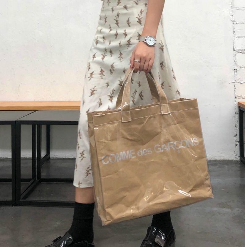 2019 INS Tide Wild Open Hand Outer Side Gusset  Leisure Simple Bag PVC Shopping Bag Kraft Paper Bags Large Capacity