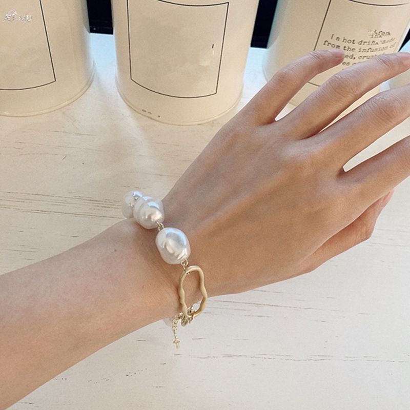 HUANZHI-2019-New-Baroque-Irregular-Imitation-Pearls-Gold-Metal-Link-Chain-Bracelets-for-Women-Girl-Summer (1)_副本