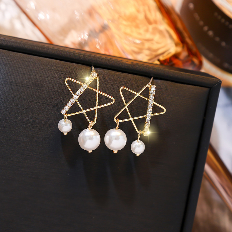 2020 Korean New Hollow Out Star Rhinestone Drop Earrings For Women Fashion Bijoux Elegant Pearl Pendientes Party Brincos