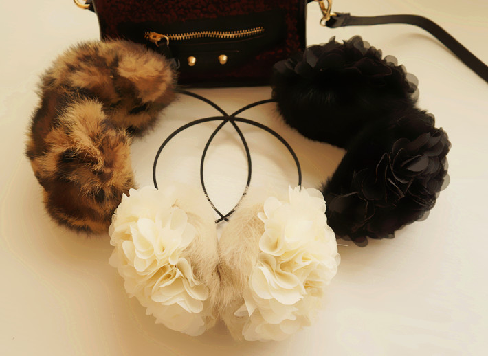 Ladies Flowers Earmuff Korean Style Autumn Winter Warm Fake Rabbit Fur Cute Soft Girls Accessories Fashion Warm Elegant Earmuff
