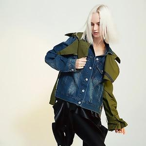 Image 5 - EAM veste en Denim à manches longues pour femmes, nouveau manteau à manches longues, coupe ample épissure, mode printemps automne 2020 1B093