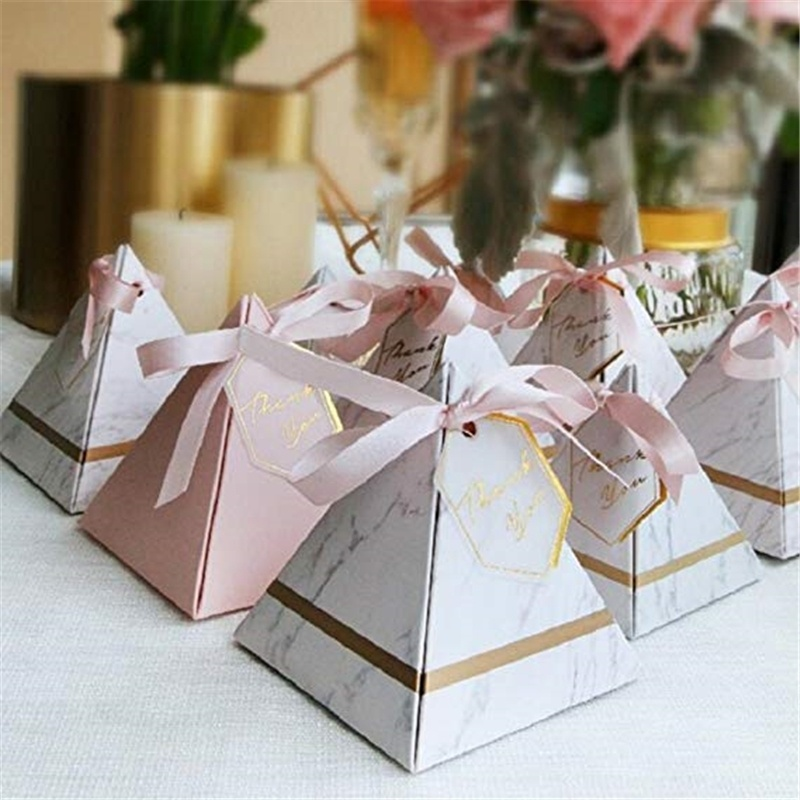 50Pcs Europe Triangular Pyramid Style Candy Box Wedding Party Paper Gift Boxes With Ribbon