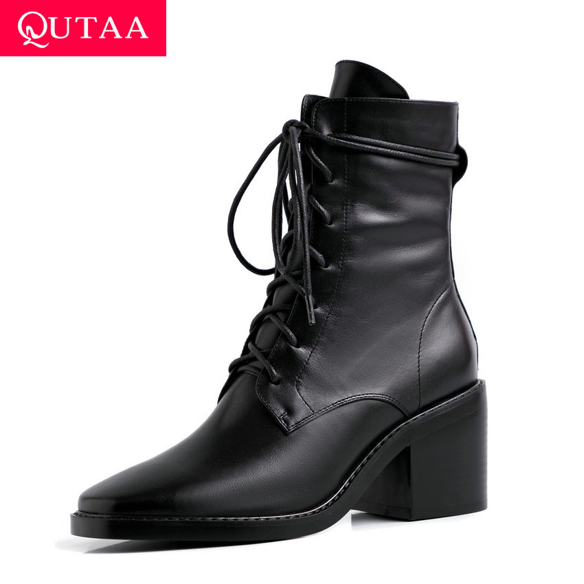 QUTAA 2020 المرأة جلد البقر براءات الاختراع والجلود زيبر منتصف العجل الأحذية الخريف الشتاء الدانتيل يصل الرجعية مربع اصبع القدم النساء الأحذية حجم 34 39-في أحذية منتصف ربلة الساق من أحذية على  مجموعة 1