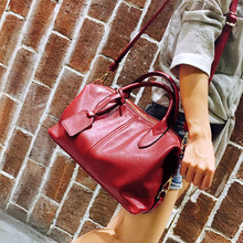 цена на 2020 New Style Handbag Europe And America WOMEN'S Fashion Handbag Boston Bag zhen tou xing WOMEN'S Cross-body Bag Shoulder Bag
