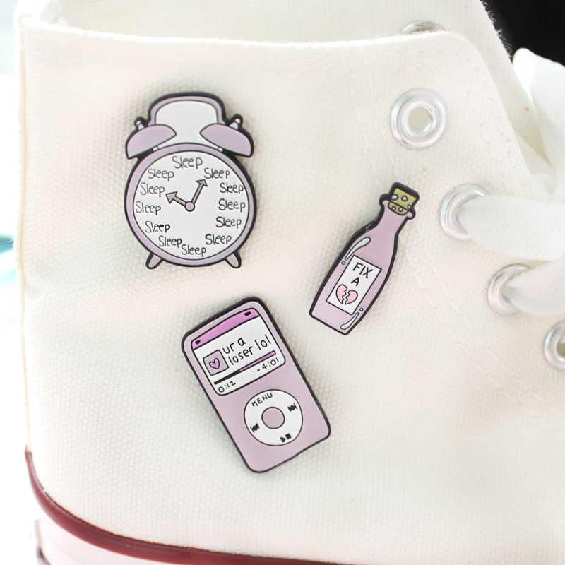 การ์ตูนสีชมพู Love Dreams ขวด MP3 นาฬิกาปลุกเข็มกลัดตลก Pin เคลือบกระเป๋าเป้สะพายหลังเสื้อผ้าเครื่องประดับอุปกรณ์เสริมสำหรับเพื่อน